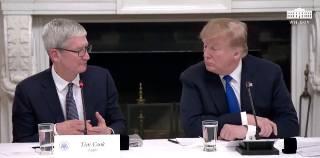 Apple CEO Tim Cook with President Donald Trump