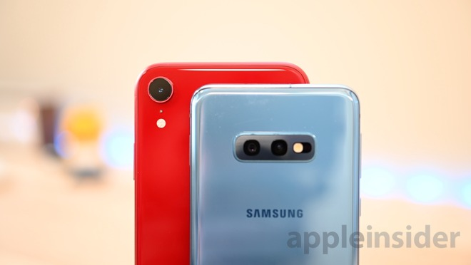 iPhone XR and Galaxy S10e