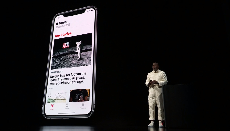 Apple's Wyatt Mitchell demonstrates Apple News+