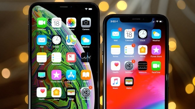 iPhone XS Max (left) with an iPhone X (right)