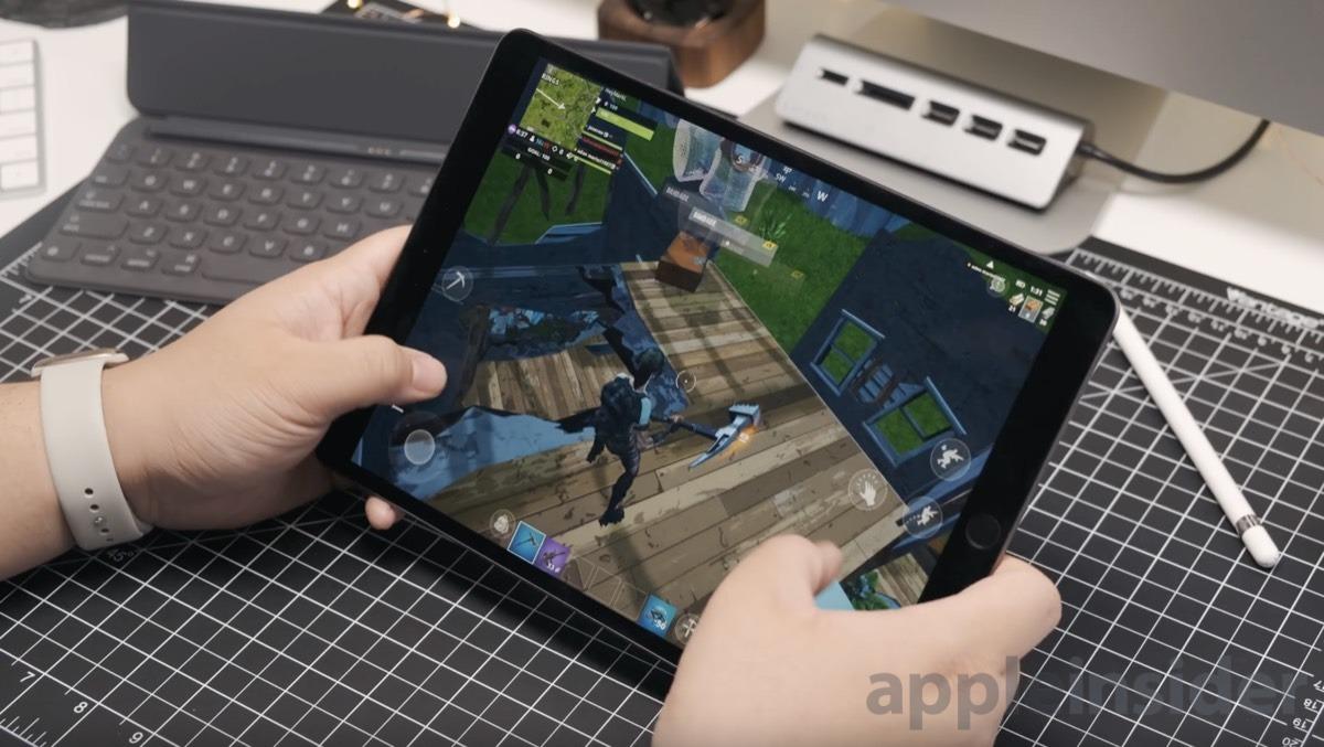 2019 iPad Air playing Fortnite