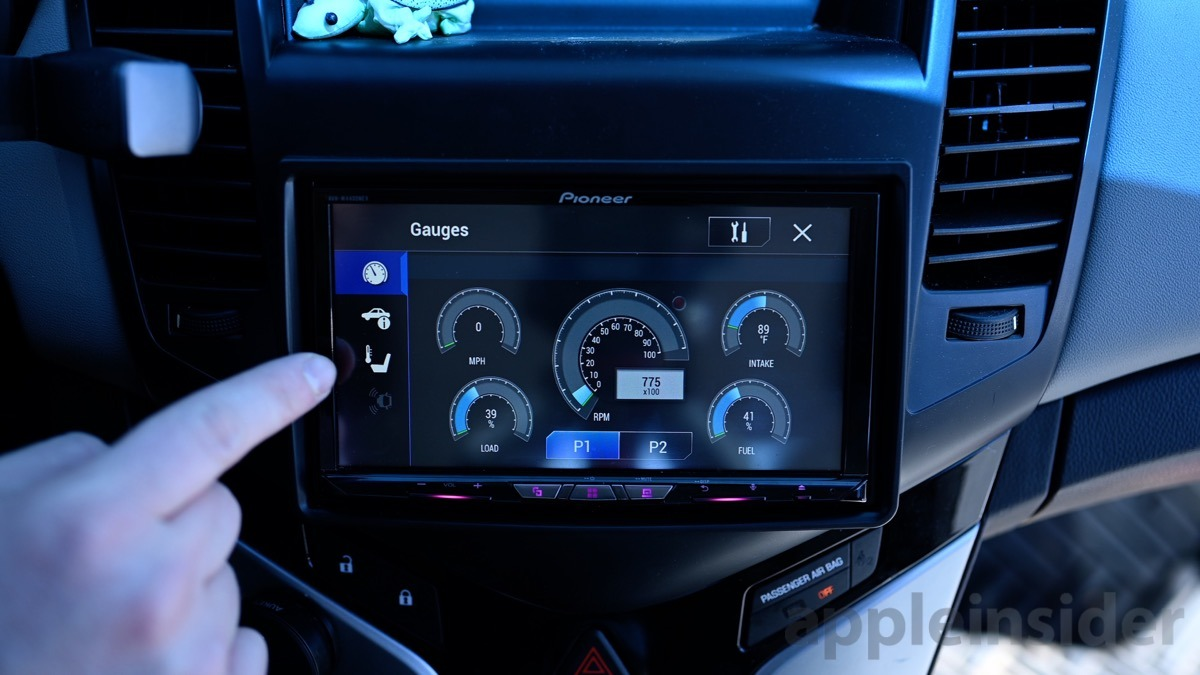 Pioneer AVH-W4400NEX with car guages