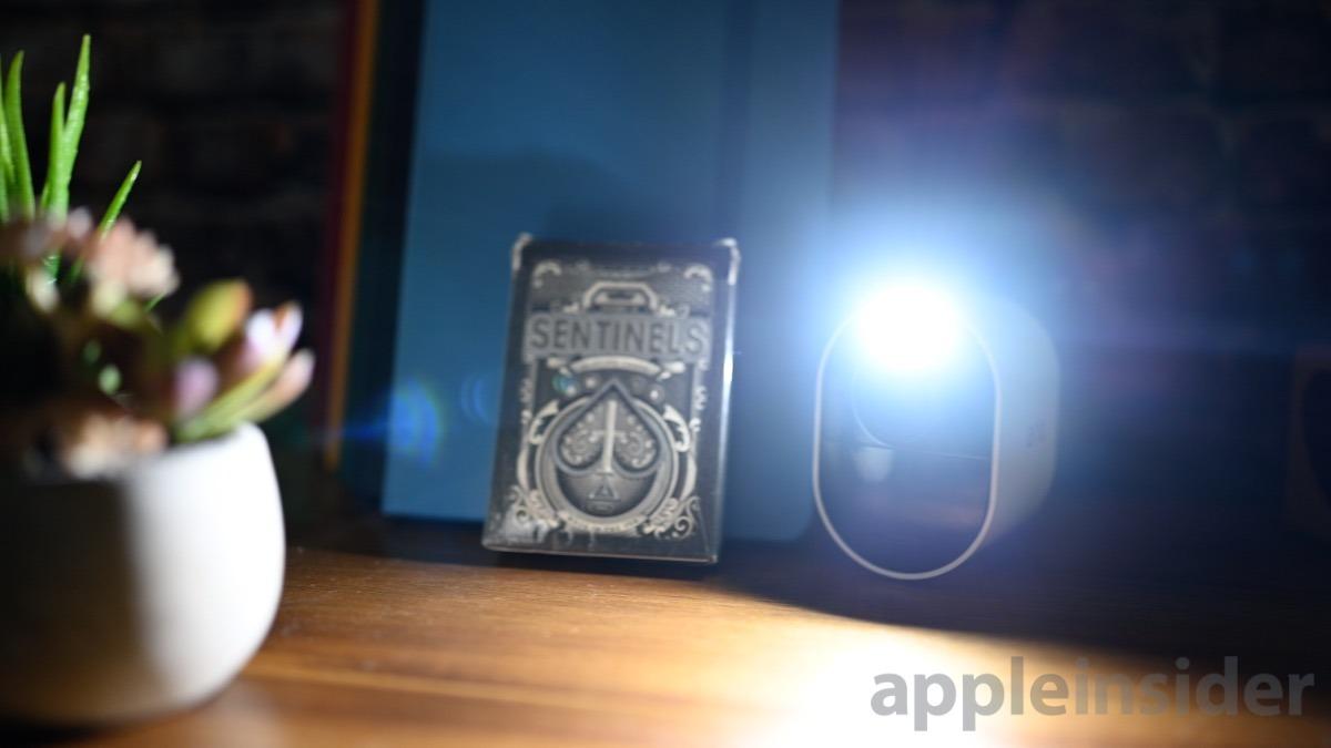 Arlo Ultra torch light