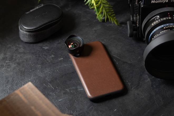 Nomad Rugged Case with a Moment lens