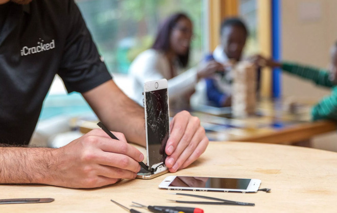 iCracked, a repair outfit acquired by insurer Allstate in February, is a supporter of Right to Repair bills.