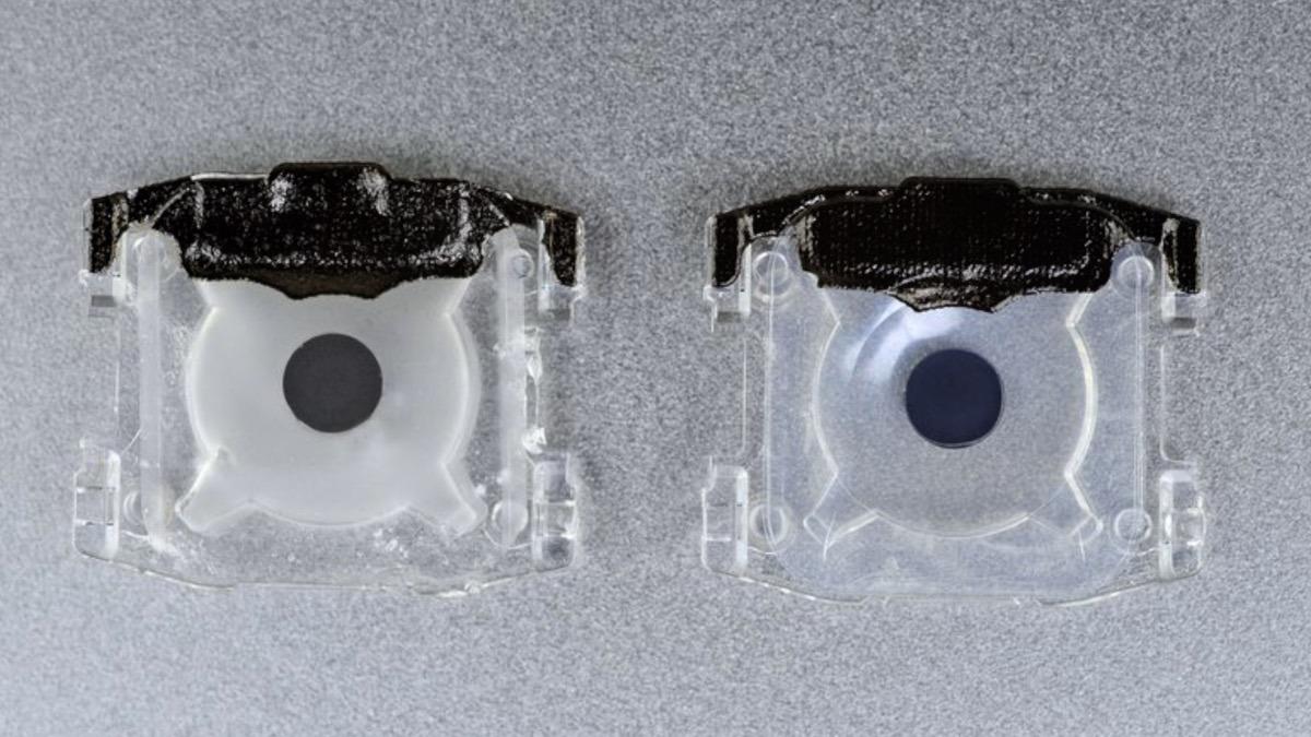 2018 key membrane (left) & 2019 key membrane (right)