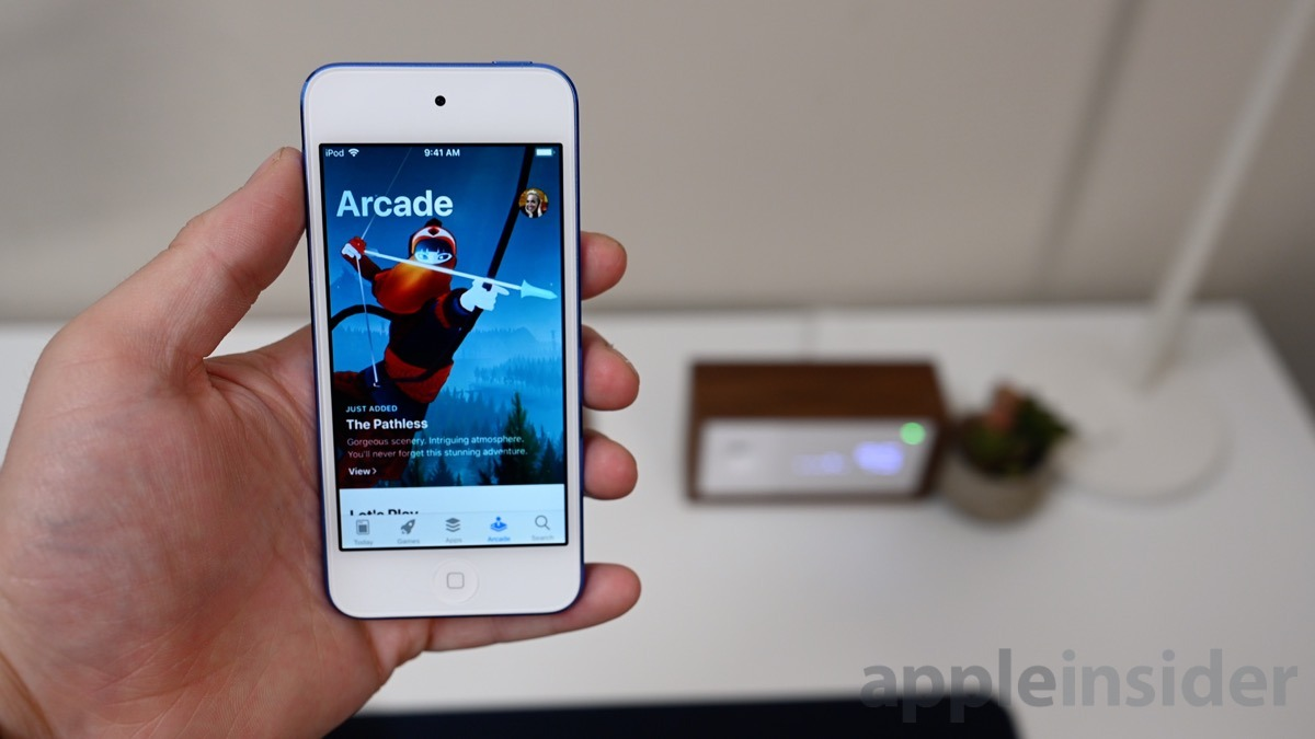 iPod touch (2019) promoting Apple Arcade