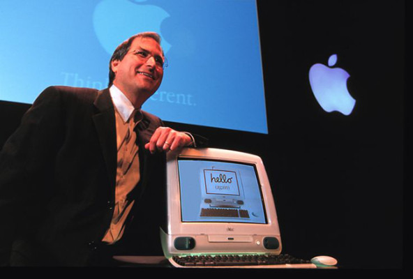 Steve Jobs with the G3 iMac