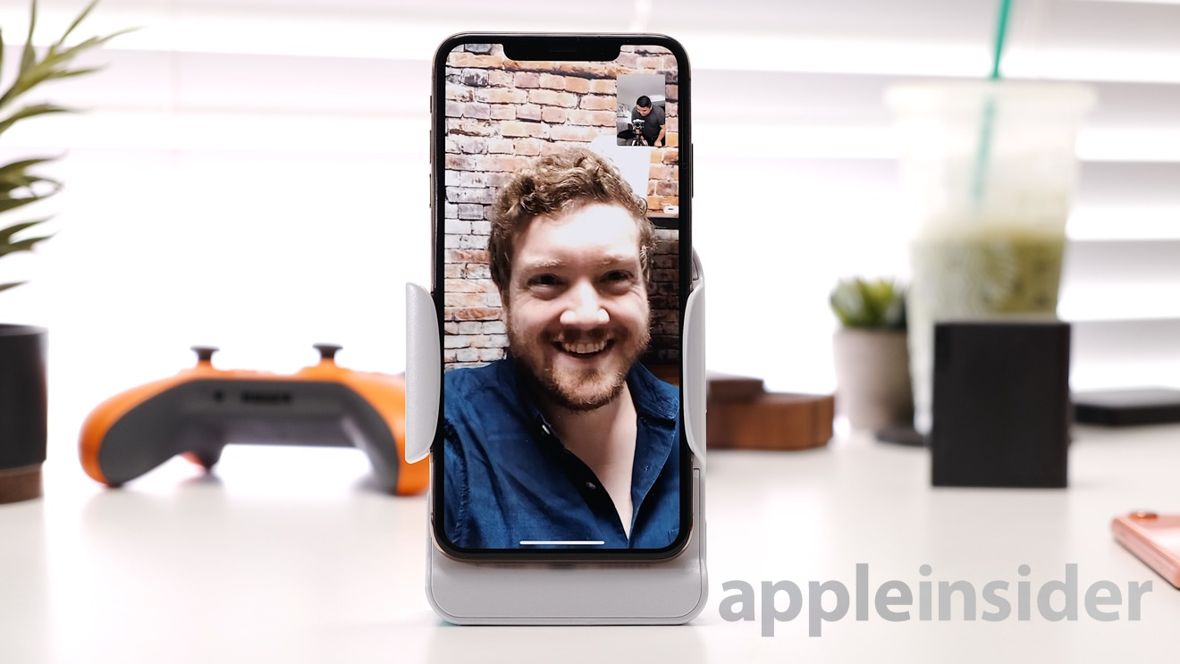FaceTime with Adonit PhotoGrip Qi