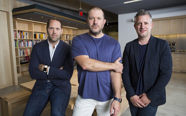 Alan Dye (left) with Jony Ive (center) and Richard Howarth [via The Telegraph]