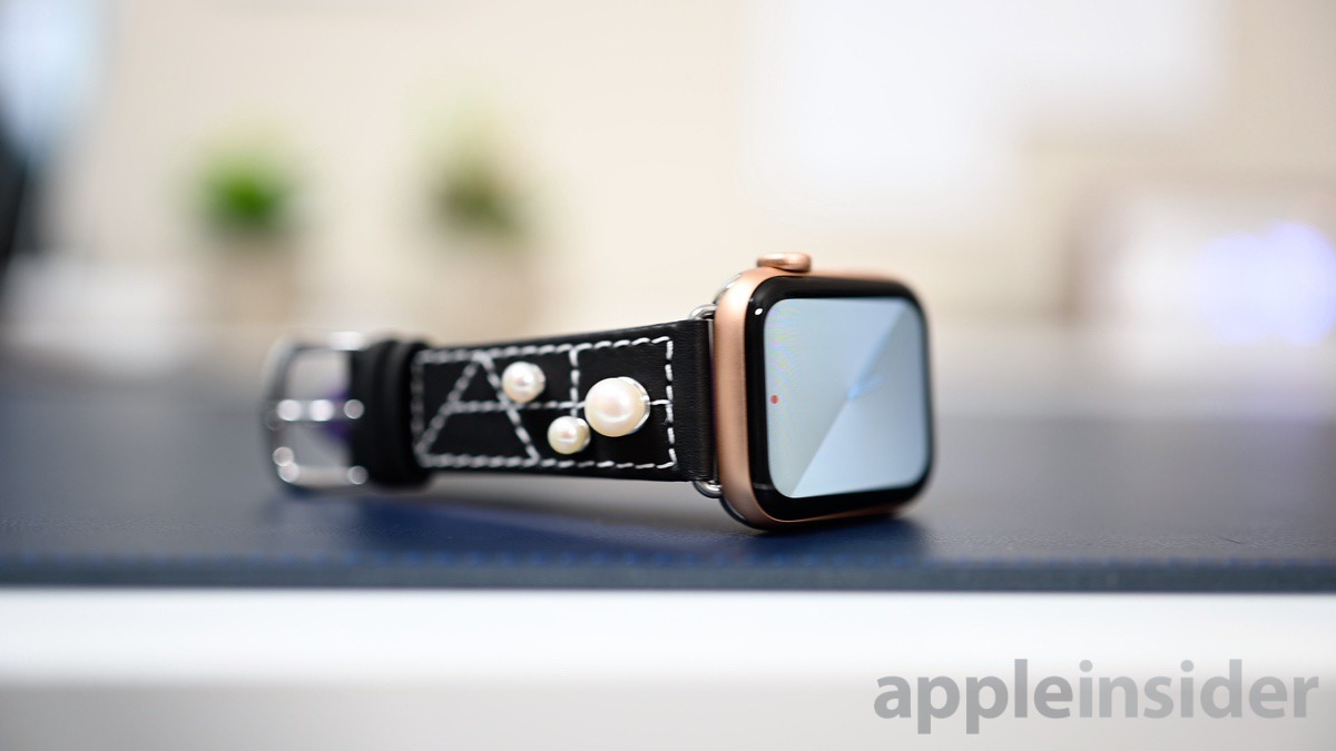 Chalonne luxury Apple Watch band made of Napa leather & freshwater pearls