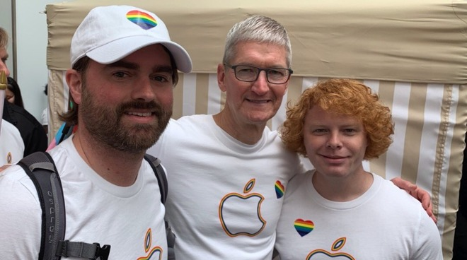 Tim Cook (center) at San Francisco Pride Parade 2019 via cincvolflt