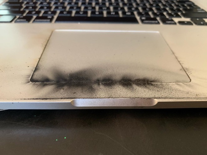 The scorched trackpad of the 15-inch MacBook Pro (via Steve Gagne/Facebook)