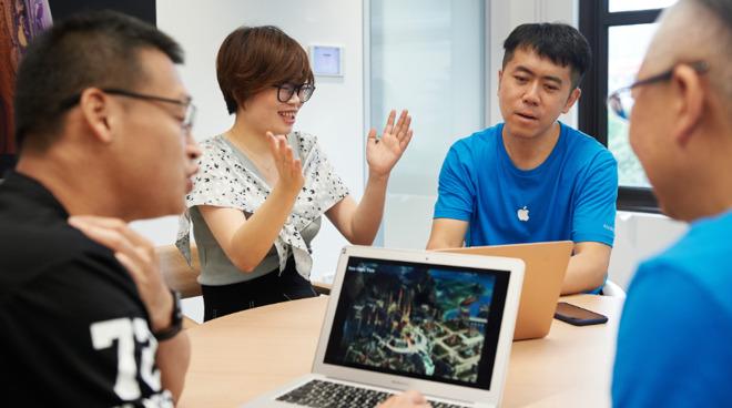 Developers at Apple's new Accelerator program in Shanghai