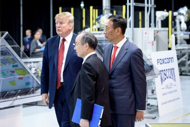 President Trump touring a Wisconsin Foxconn facility in June 2018. | Image Credit: Brendan Smailowski/AFP/Getty Images