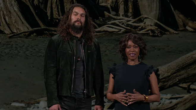 Jason Momoa, Alfre Woodard in See