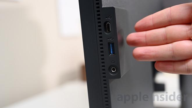 Side ports on the BenQ PD3220U