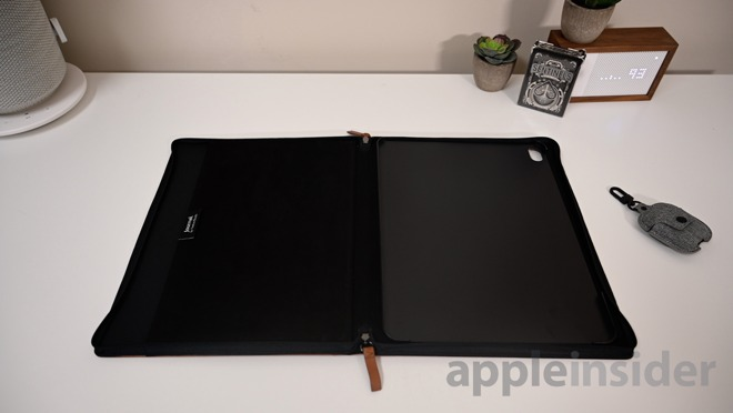 Twelve South Journal for iPad Pro interior
