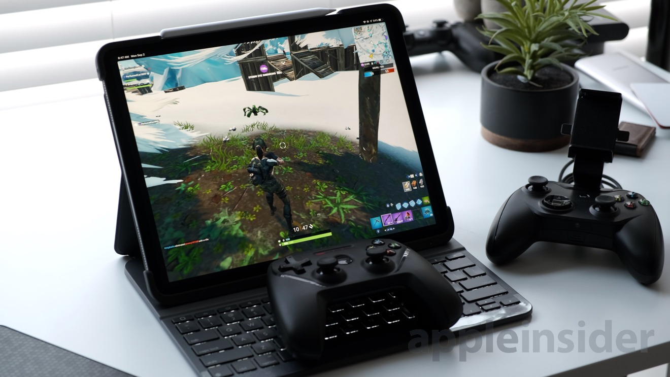 SteelSeries Nimbus connected to an iPad Pro: Playing Fortnite Season X
