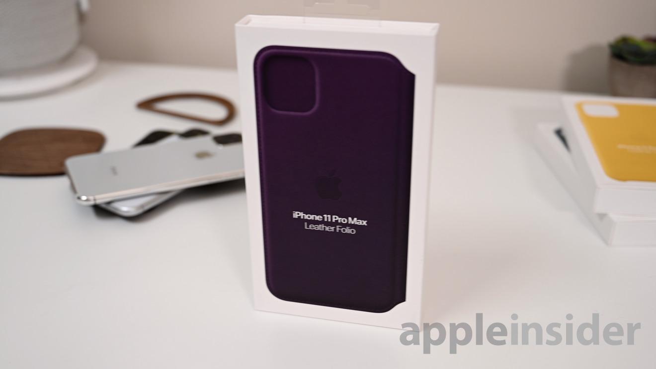 Leather folio for iPhone 11 in aubergine