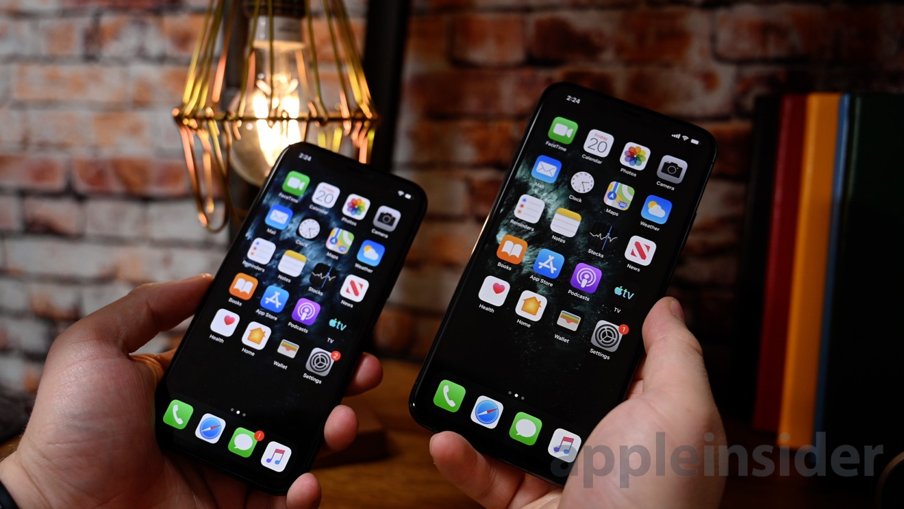 iPhone 11 Pro (left) and iPhone 11 Pro Max (right)