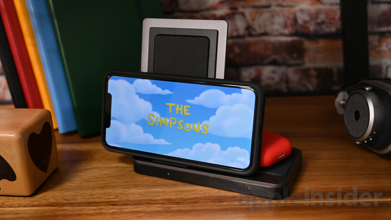 X-Doria Defense Dual Wireless Charger works in landscape mode