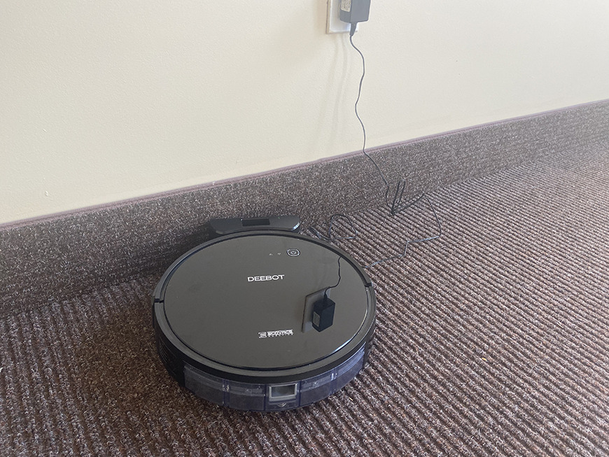 Deebot 661 on its charging dock