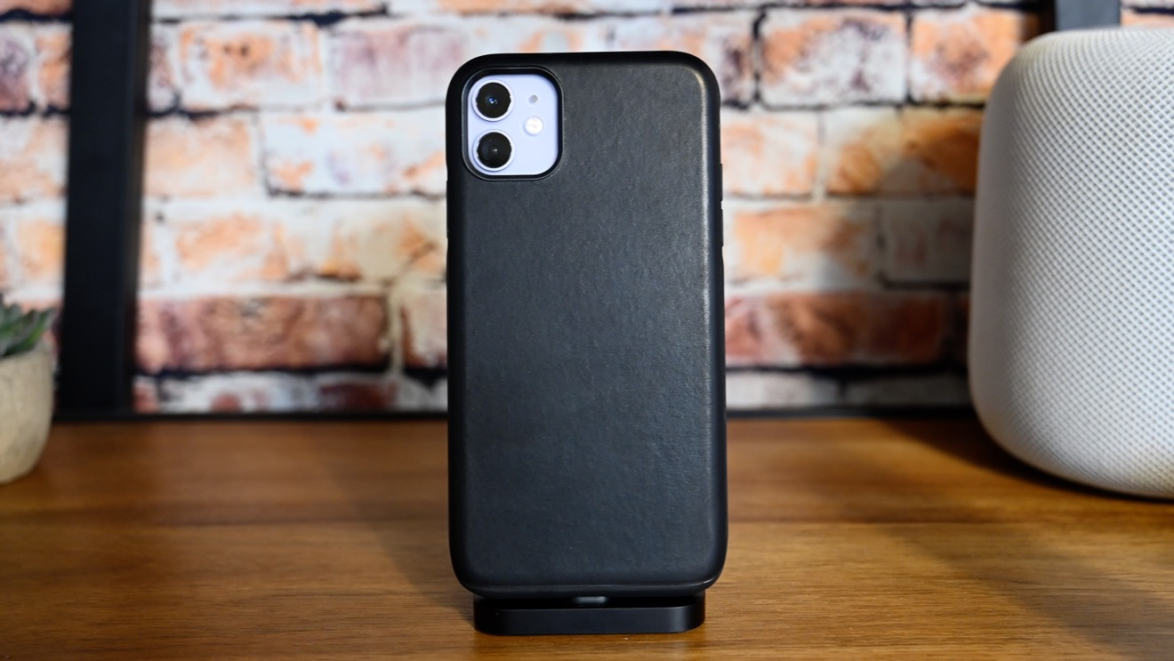 Nomad Black Rugged leather caes for iPhone 11