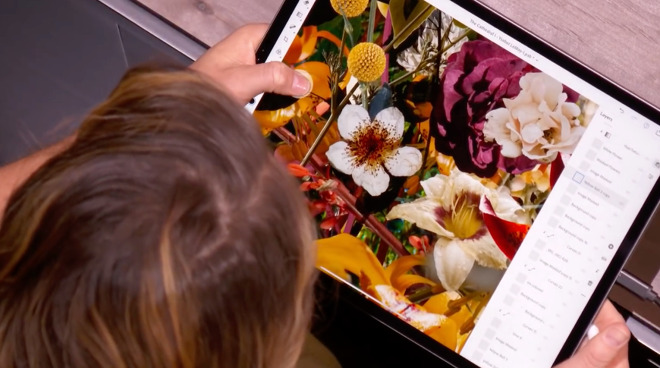 Adobe demonstrating Photoshop for iPad at Apple's October 2018 event