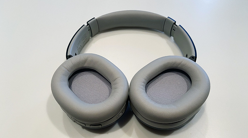 The Enduro 100 plush earcups do not offer much in the way of passive noise cancellation