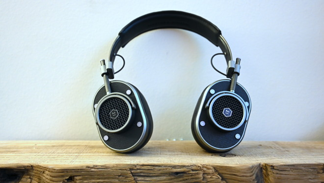 The MH40 Wireless Master & Dynamic headphones