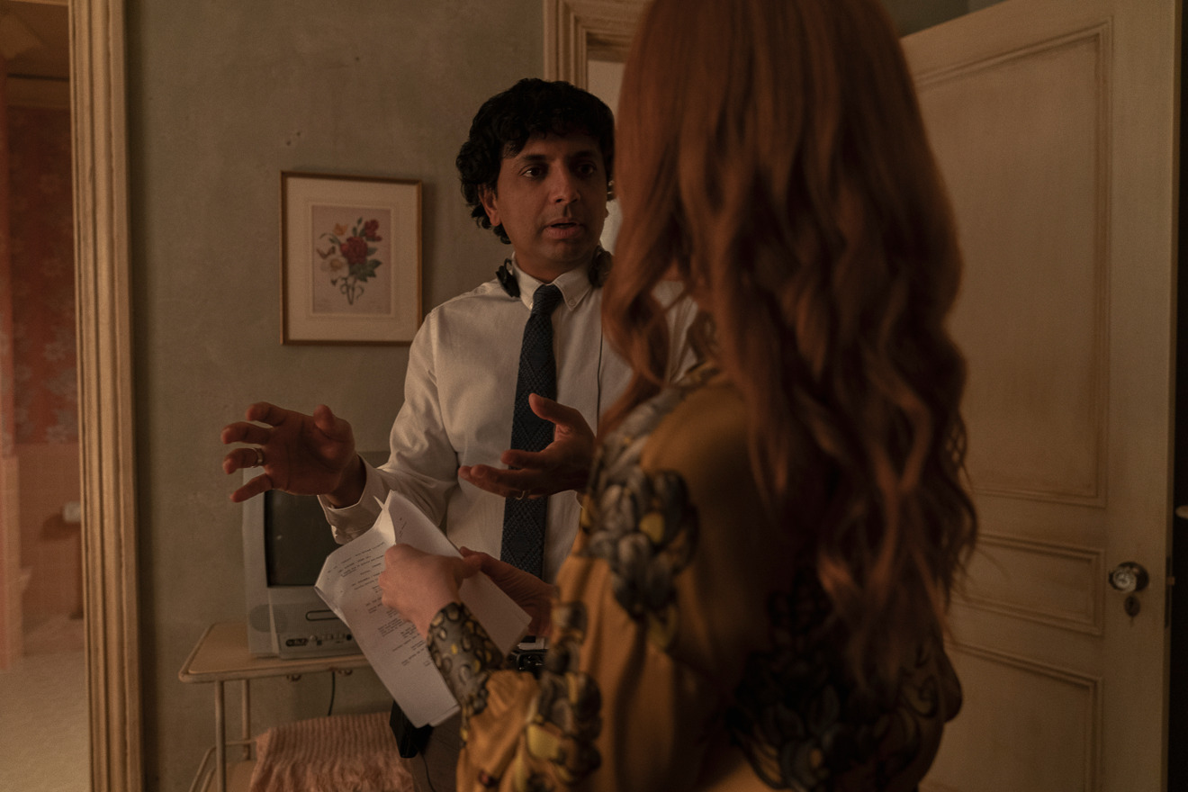 M. Night Shyamalan directs Lauren Ambrose in Servant (courtesy of Apple)