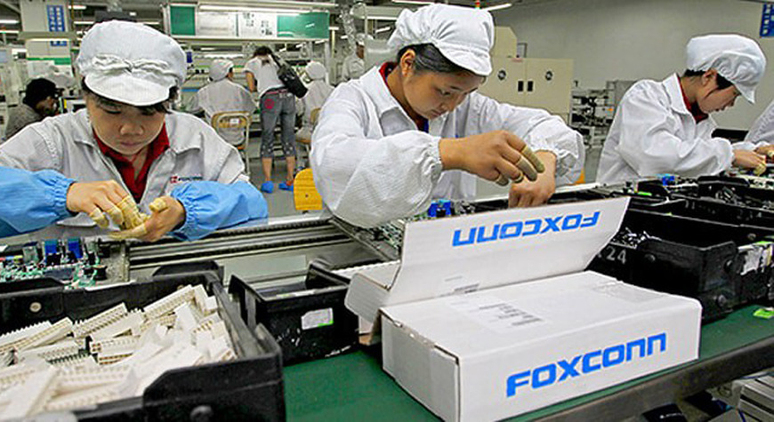 Foxconn factory workers often work in very close contact with each other