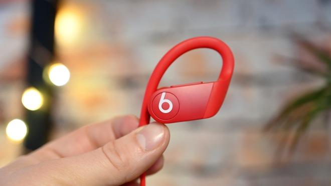 A Powerbeats 4 earpiece