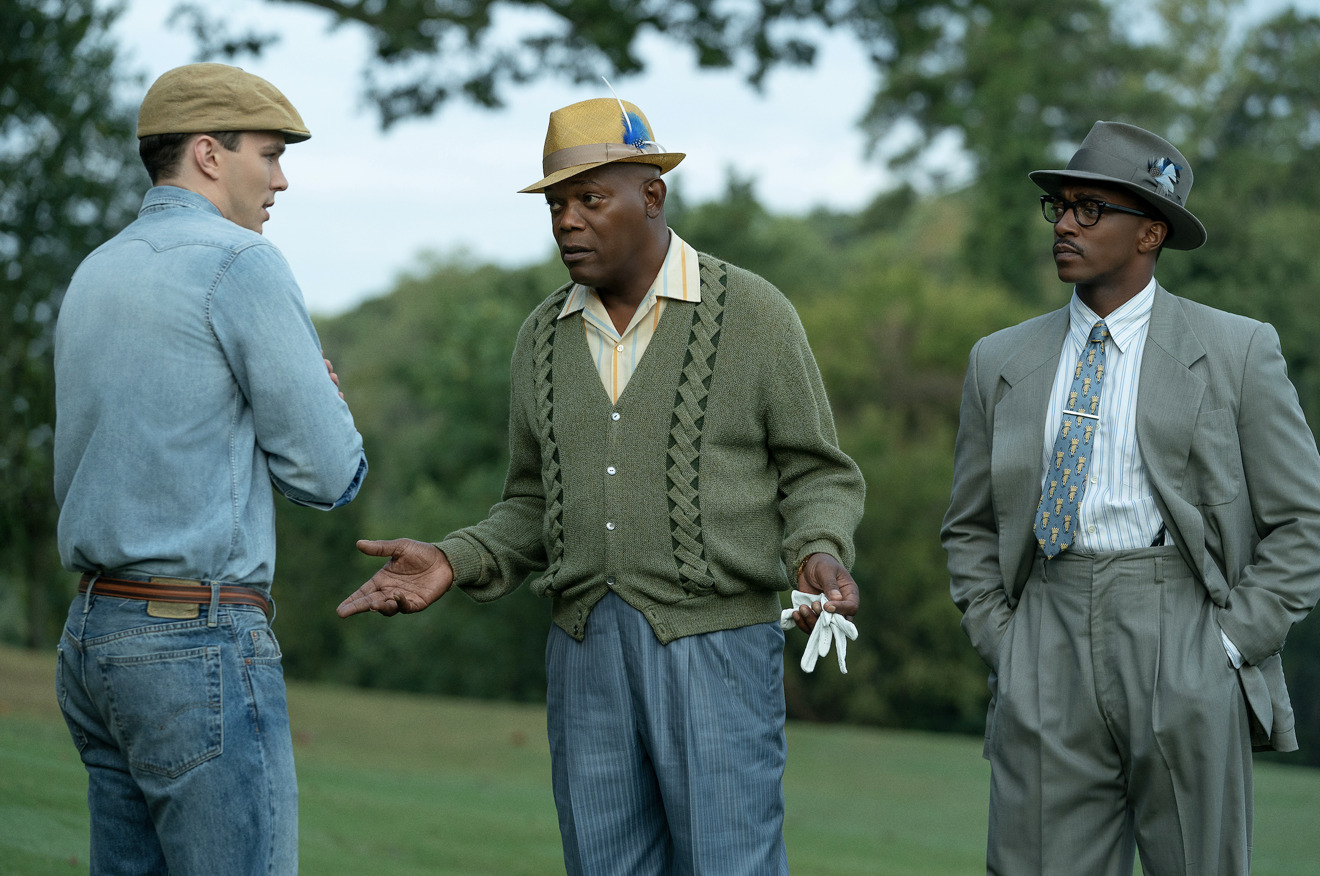 Nicholas Hoult, Samuel L. Jackson and Anthony Mackie in The Banker (Apple)