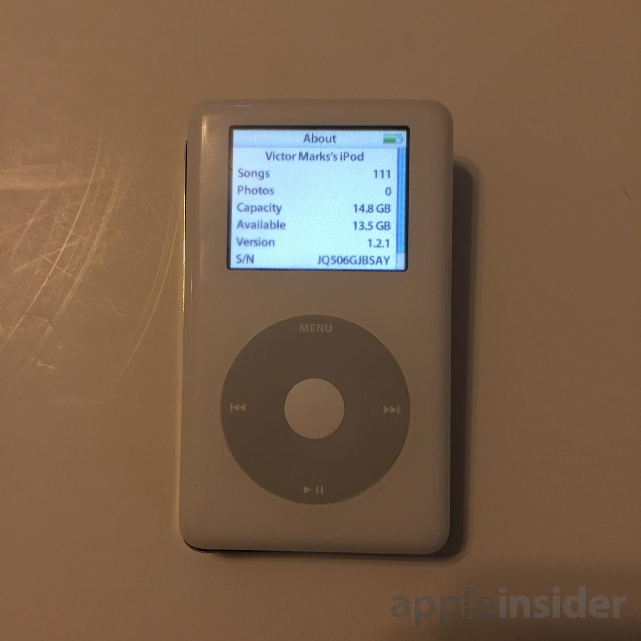 Apple iPod Classic in white