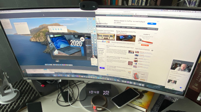 By default, the other person's screen fills your monitor, but you can also arrange it so that you can see yours too.
