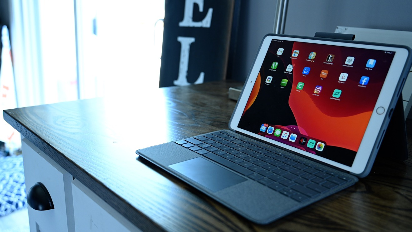 iPad Pro in Logitech's Combo Touch
