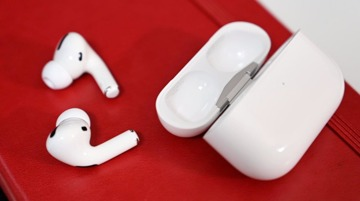 iPhone 12 won't include headphones