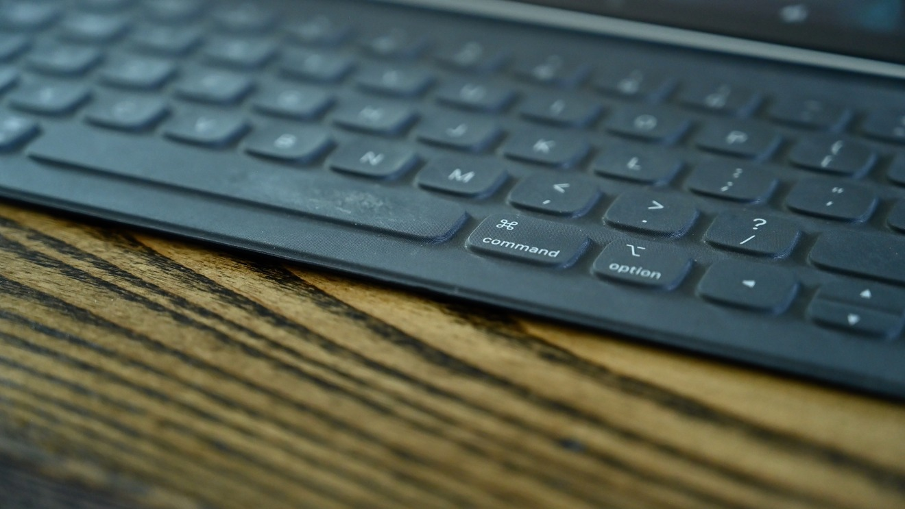 Fabric keys of the Smart Keyboard Folio