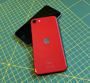 Apple's iPhone SE second generation with the original
