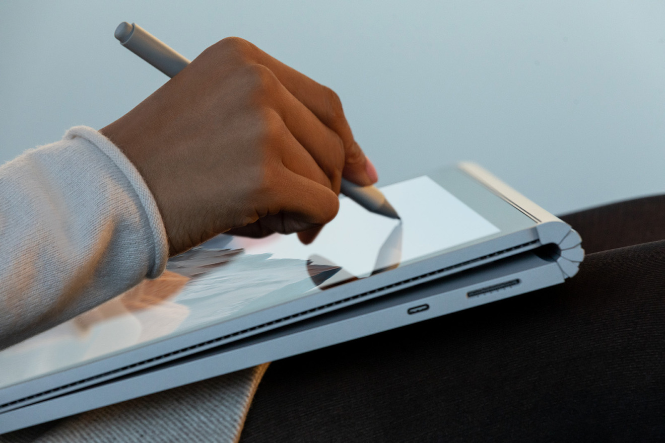 The Surface Book 3 keyboard could be attached backwards, storing it behind the screen while it is used as a tablet
