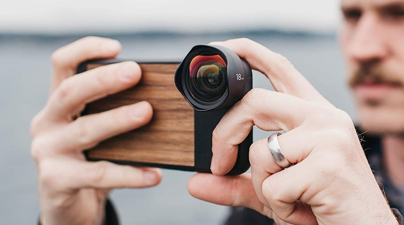 Moment protective iPhone XR case in walnut