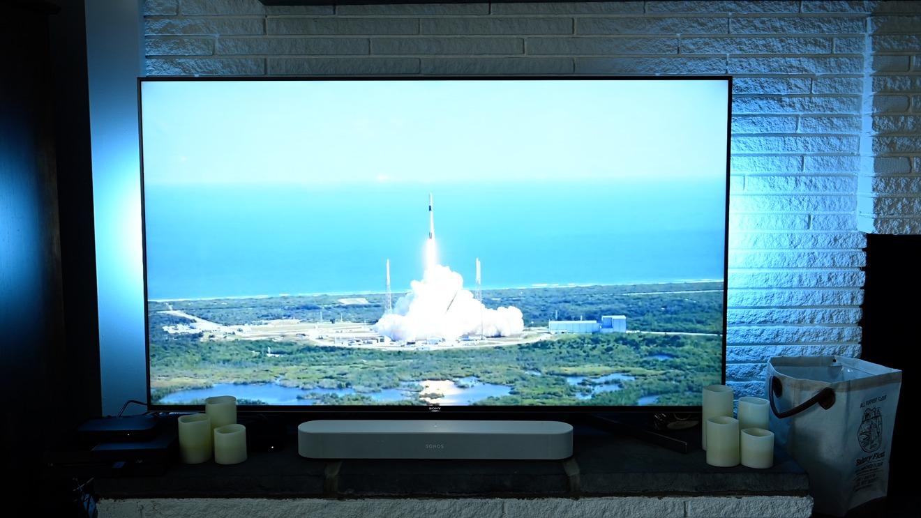 Watching NASA rocket launch with Hue Sync