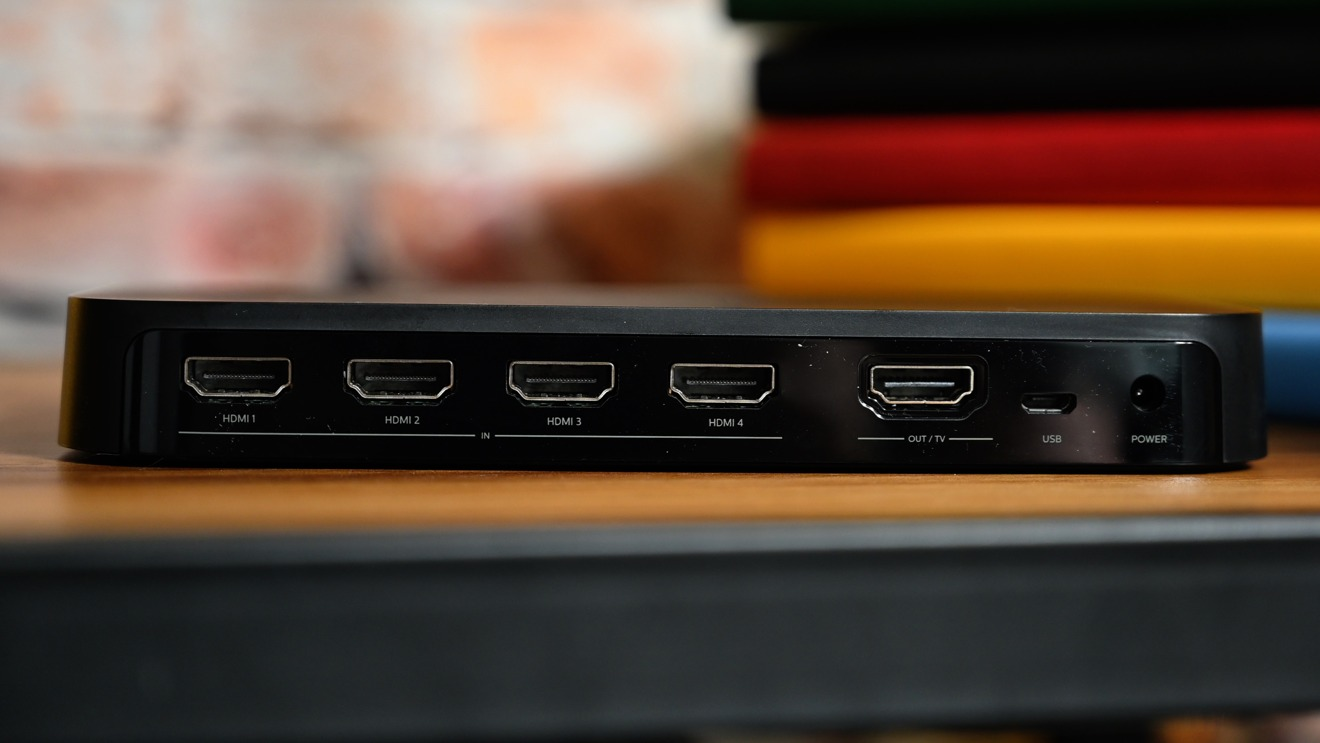 Five HDMI ports on the back of the Hue HDMI Sync box