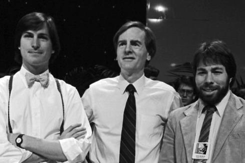 L-R: Steve Jobs, John Sculley, Steve Wozniak