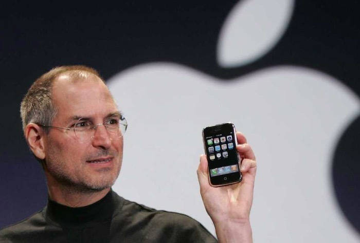Steve Jobs unveiling the original iPhone in 2007