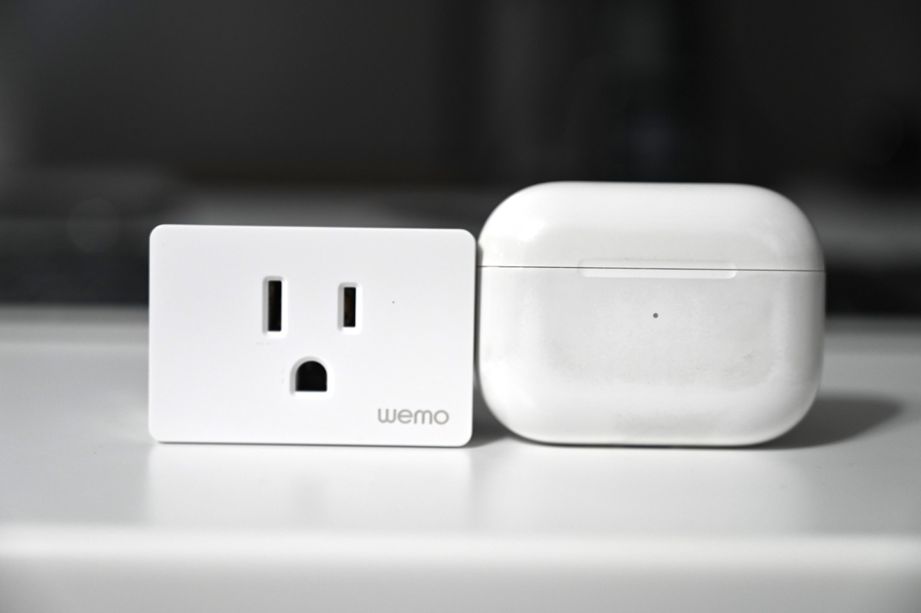 Wemo Smart Plug is smaller than AirPods Pro