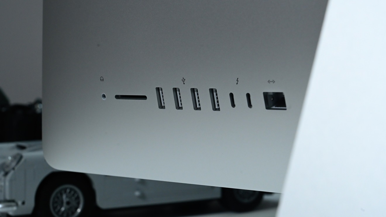 Ports on the rear of the 2020 27-Inch iMac