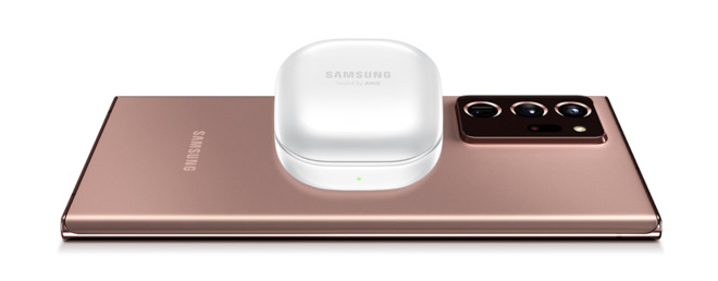 The charging case can recharge itself from a compatible Samsung smartphone wirelessly.